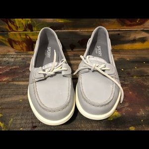 Women sperry boat shoes size 7, 9 new